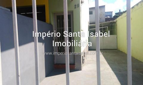 [Aluga-se casa 5 cômodos  ao lado do churrasquinho no centro- Santa Isabel em frente ao posto Ipiranga R$1.300,00 ]